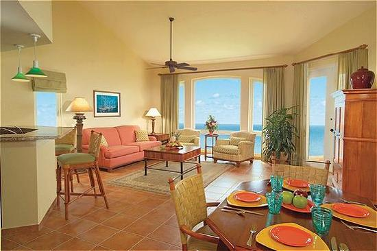 Las Casitas Village, A Waldorf Astoria Resort: Living room & Fully Equipped Kitchen