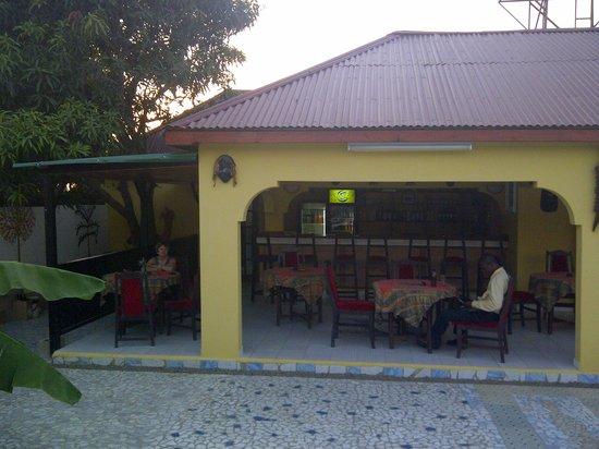 Dolphin bar and restaurant: Dolphin Bar