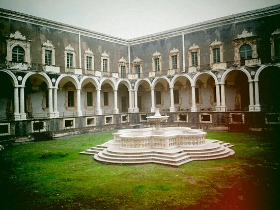 Monastero dei Benedettini: Chiostro dei Marmi