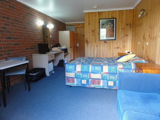 Kookaburra Motor Lodge: Comfy Room