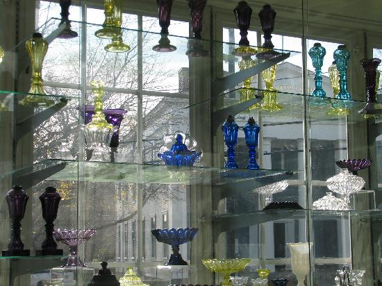 Sandwich Glass Museum: The museum shelves