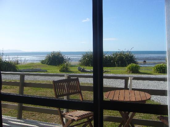 Pohara Beachfront Motel