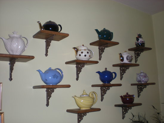 Tea Kettle Inn Bed & Breakfast: Teapot Collection