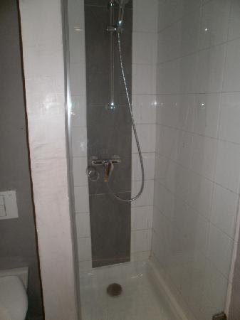 Manzil Hotel : La douche