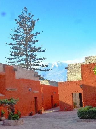 อารามซานตาคาตาลินา: vista del volcan de arequipa