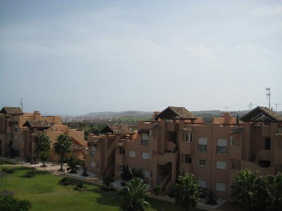 Casares Del Sol : vue depuis la terrasse sur le toit