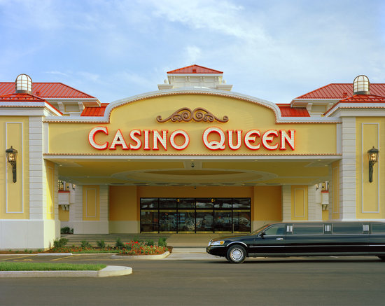 East Saint Louis, IL: Casino Queen Casino & Hotel