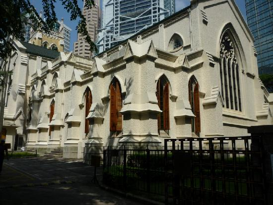 "St. John's Cathedral - Inside - 香港、セント ジョンズ大聖堂 (聖約翰座堂)の写真写真: ""St. John's Cathedral - Inside"""