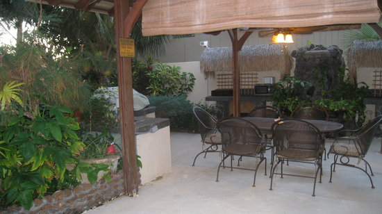Garden Gate Inn: Breakfast Area