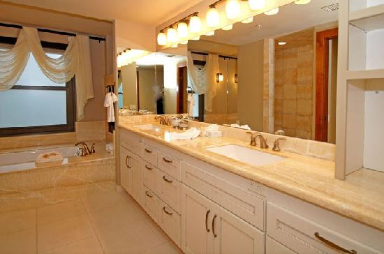The Lowell Condominiums: Bathroom