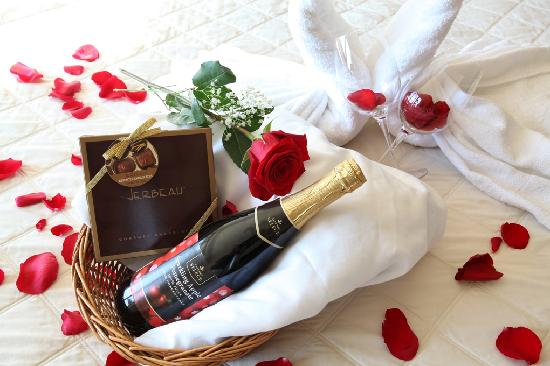 Inn at Seaside: Romance package