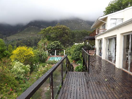 Klein Bosheuwel Guest House: Views of Table Mountain from Klein Bosheuwel