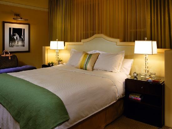 Hotel deLuxe: King Room