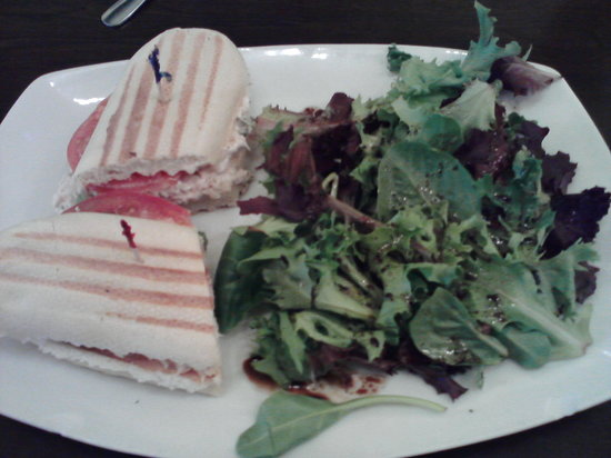 Luna Crepes and Cafe: tuna panini