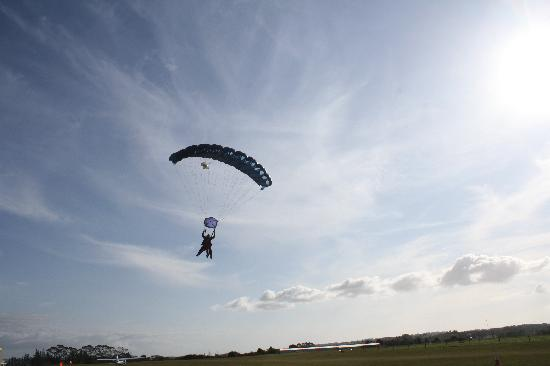 The Skydive Zone: Parachute ride