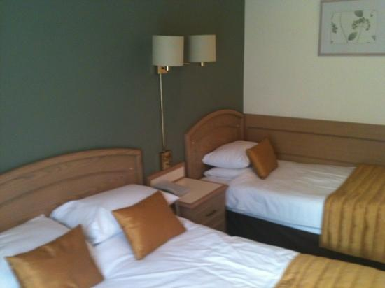 Best Western Ipswich hotel : triple room 405