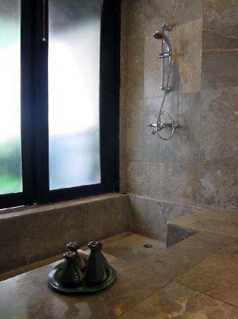 Banyan Tree Bintan: Bathroom