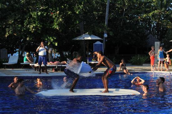 Grand Bahia Principe El Portillo: game in the pool