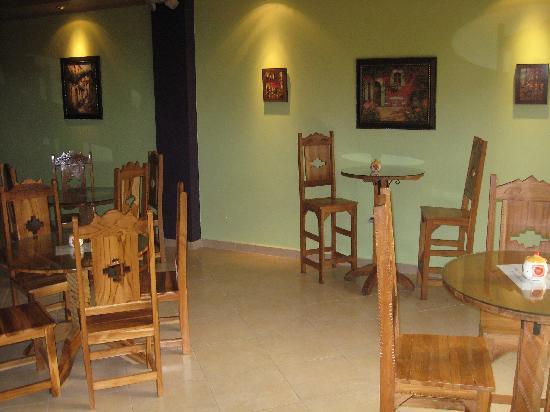 Sugar & Spice Dulces Gourmet: Cafe area