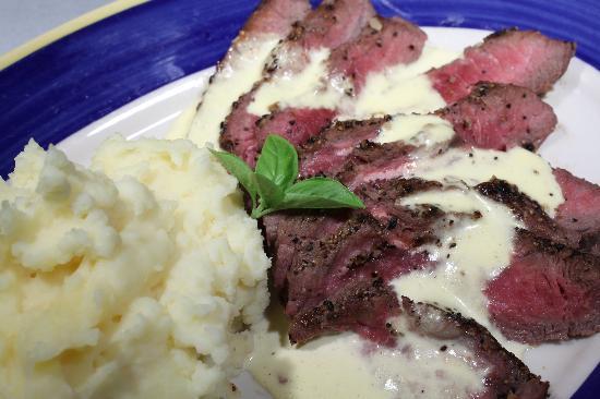 Green Leaf Grill : Flat Iron Steak