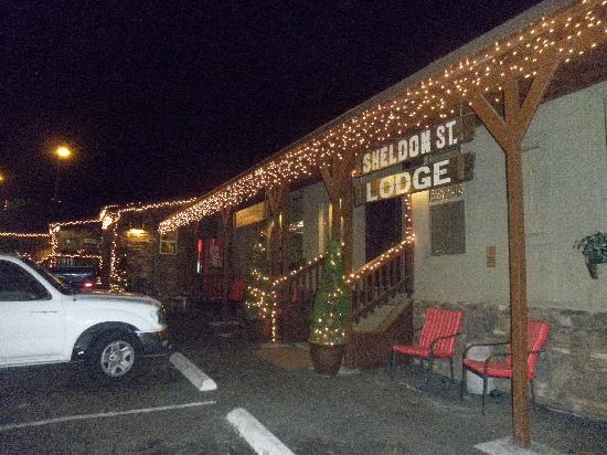 Sheldon St. Lodge: Christmas 2011