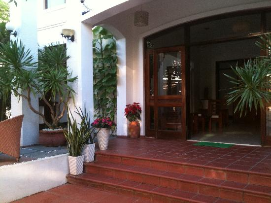Thien Nga Hotel: entrance