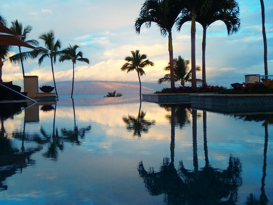 Four Seasons Resort Maui at Wailea : Serenity pool early in the morning