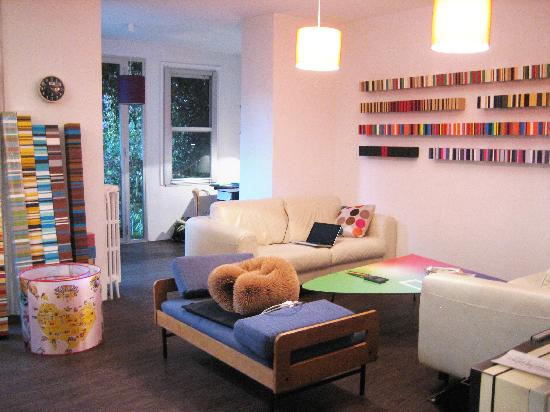 La Moma: The living room / home office
