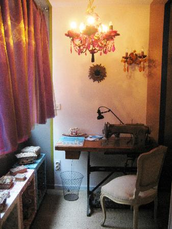 La Moma: A sewing machine on the corridor leading to the shower room
