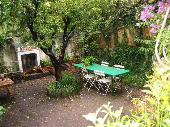 La Moma: Lovely garden