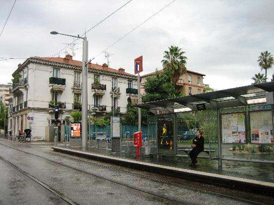 The Valrose University tram station, just 3 minutes away from La Moma