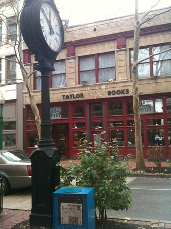‪Taylor Books Cafe‬
