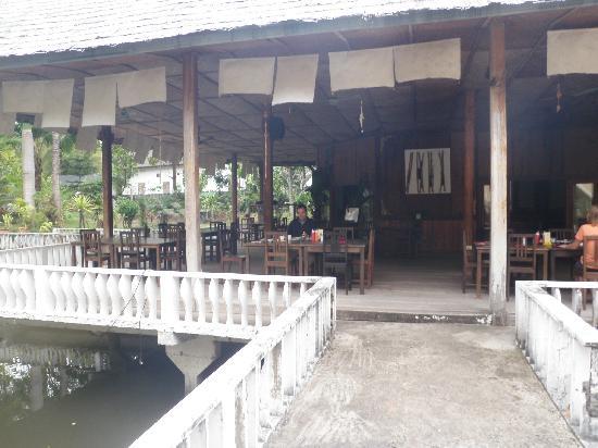 Villa Ban Lao Hotel: Restaurant und Garten