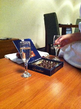 Ohotnik Hotel : Free alcahol and sweets are provided in president room