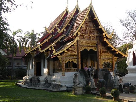 Wat Phra Singh - Picture of Wat Phra Singh, Chiang Mai ...