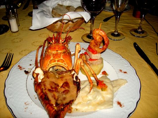Melia Península Varadero: The unbelievable Lobster severed at our outside Romantic Dinner