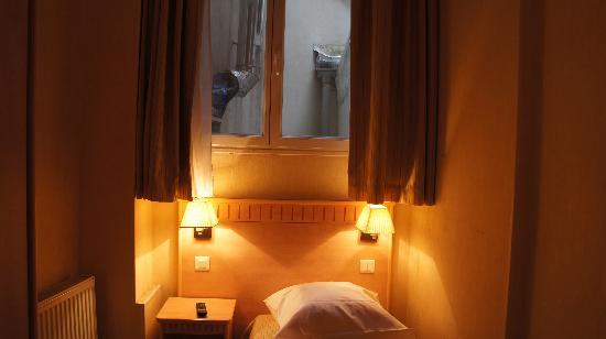 Hotel Gerando: Room with a depressing view