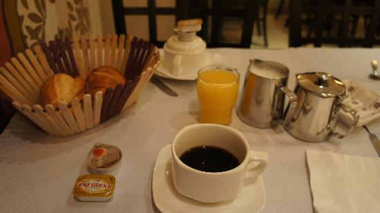 Hotel Gerando: boring breakfast in the French capital