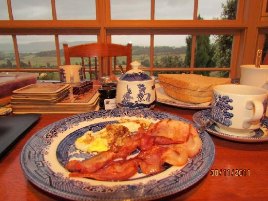 Cornwall Cottage Bed & Breakfast: Our breakfast