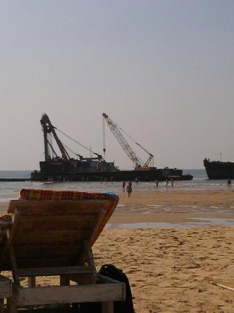 Candolim Beach: A fishing boat