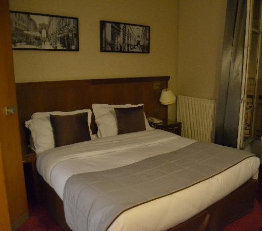 โรงแรมอาโกราแซงท์แชร์แม็ง: Bedding at room 308