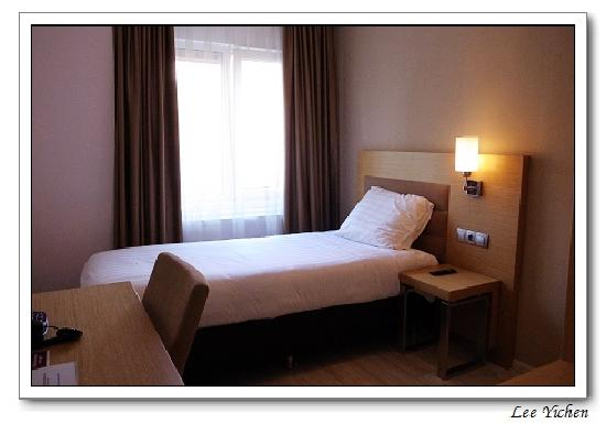 Hotel Port : Nice room, unexpectedly comfortable bed