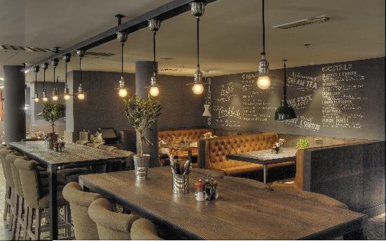 Darcy's: High tables