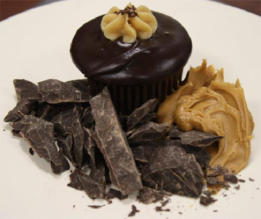 Sugarbelle: Chocolate Peanut Butter cupcake