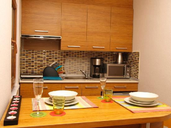 Nisa Sultan Residence : Kitchen