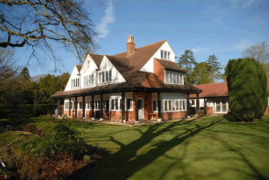 Broadlands gate updated 2019 prices reviews photos - Hotels in brockenhurst with swimming pools ...