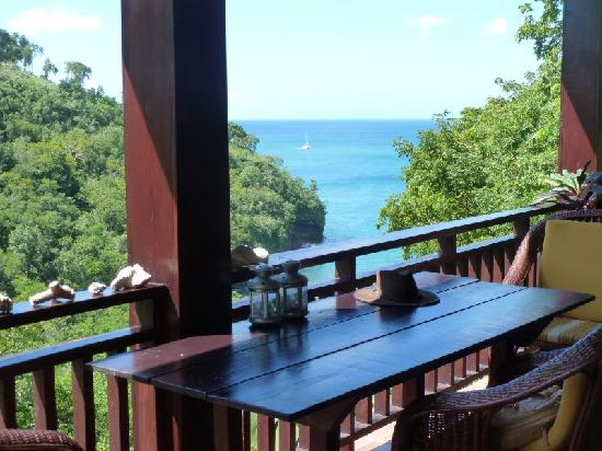 Villa Pomme d'Amour : Breakfast overlooking the Caribbean