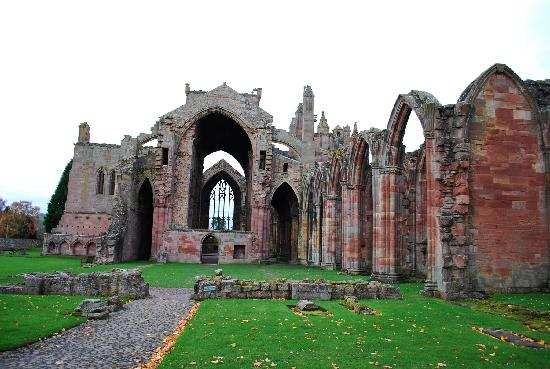 The Townhouse Hotel: Melrose Abbey - enchanting!
