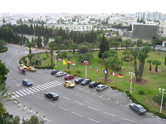 JAZ Tour Khalef Thalasso & Spa : vor dem Hotel mit Blick über Sousse