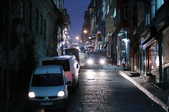 Hotel Antik Ipek: Evening streets near the hotel